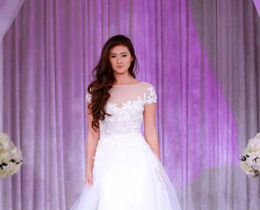 More beautiful gowns featured at Creme de la Creme Grand Wedding Showcase 2015.